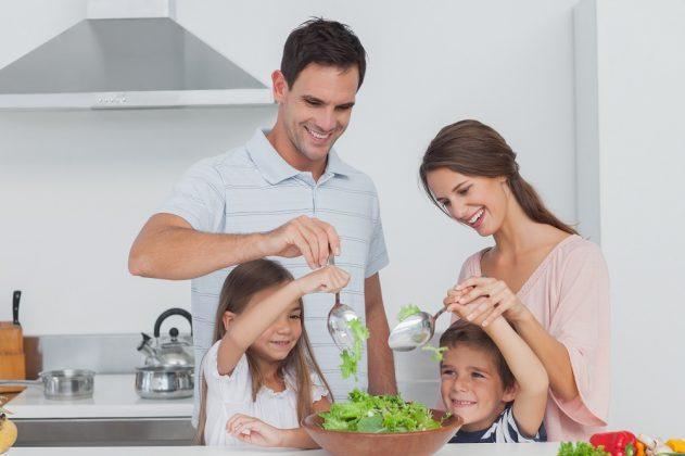 Det er bred faglig enighet at et riktig sammensatt plantebasert kosthold er både fullverdig næringsmessig